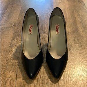 Nine West 8 M Navy blue heels